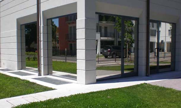 Pellicole per vetri ballarate centro copie stampa a como - Applicazione pellicole vetri finestre ...