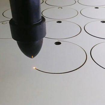 taglio laser su legno